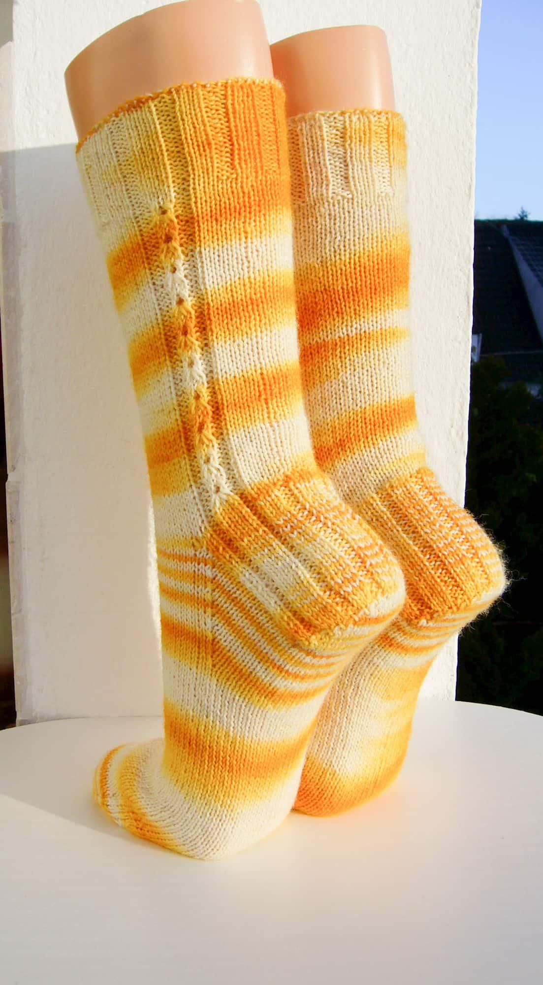 """Kräuterhexe"" Socken mit hochgezogener Masche"